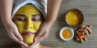 आरोग्यपूर्ण आणि उजळ त्वचेसाठी हळदीचा अशा प्रकारे वापर करा