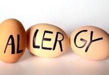 अंड्याबरोबर हे पदार्थ मुळीच खाऊ नका होऊ शकते एलर्जि चुकूनही अंड्याबरोबर 'हे' पदार्थ खाऊ नका