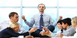 आपल्या कामातील कॉन्सन्ट्रेशन वाढवण्यासाठी 'या' नऊ गोष्टी करा